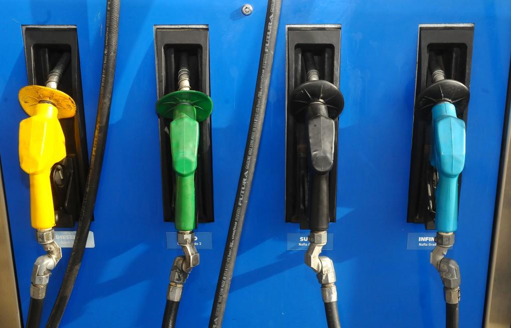 ¿Otro aumento? Estiman que las naftas subirán un 10% a partir de julio