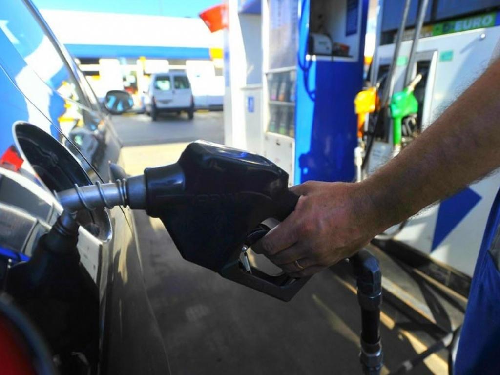Nuevo aumento nacional del 10 % para los combustibles